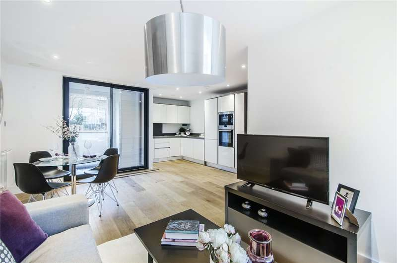 1 Bedroom Flat for sale in Larkhall Rise, London, SW4