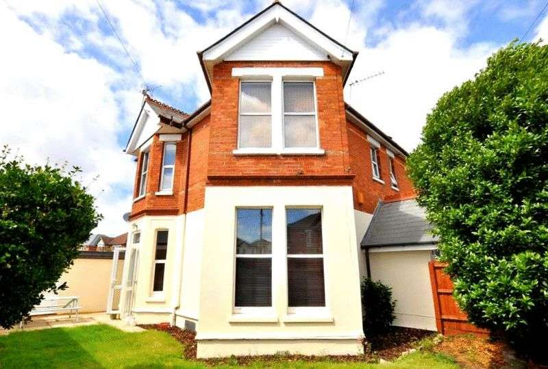 3 Bedrooms Flat for sale in St. Leonards Road, Bournemouth