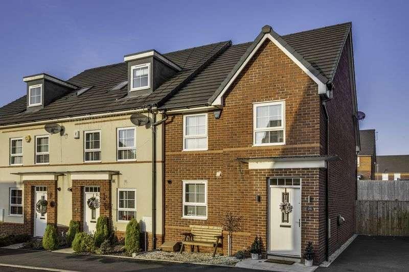 3 Bedrooms Semi Detached House for sale in Sillavan Close, Swinton