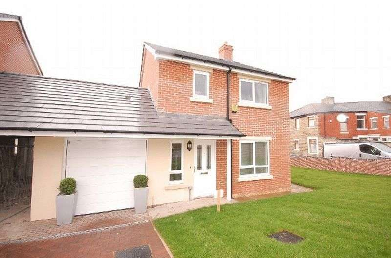 3 Bedrooms Semi Detached House for sale in Arthur Street, Great Harwood, Blackburn