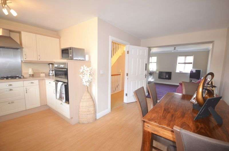 3 Bedrooms Terraced House for sale in Upton Rocks Avenue, Widnes