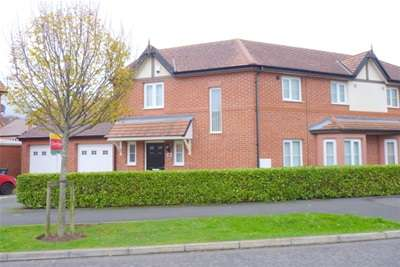 3 Bedrooms Semi Detached House for rent in Hesketh Way, Bromborough