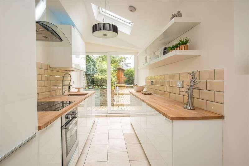 4 Bedrooms Semi Detached House for sale in Wood Street, High Barnet, Hertfordshire, EN5