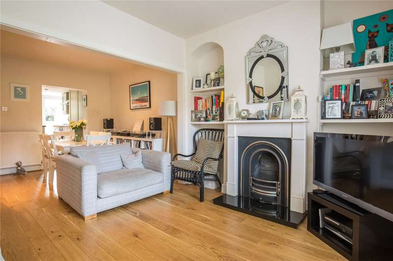 2 Bedrooms House for sale in Manor Cottages Approach, East Finchley, London, N2