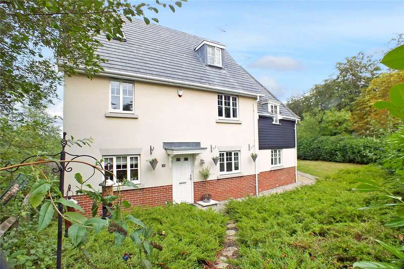 4 Bedrooms Semi Detached House for sale in St Swithins Road, Fleet, Hampshire, GU51