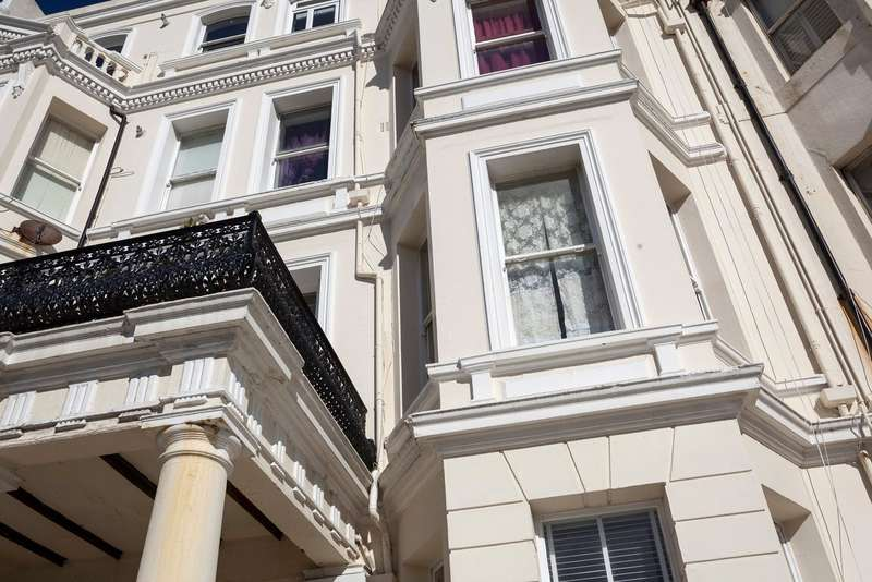 1 Bedroom Flat for sale in St. Aubyns Gardens, Hove, East Sussex, BN3