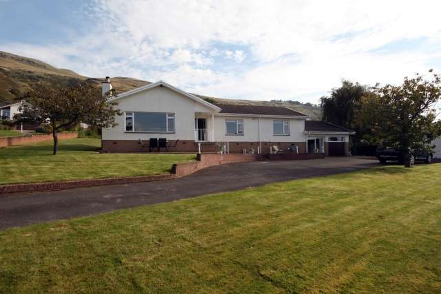 5 Bedrooms Bungalow for sale in Whitecraigs, Kinnesswood, Kinross, Perthshire, KY13 9JN