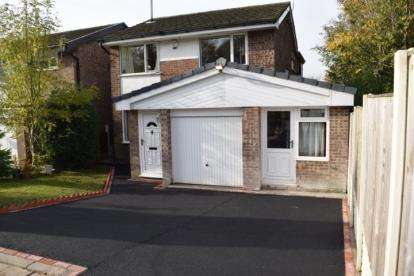 4 Bedrooms Detached House for sale in Foxcote, Chorley, Lancashire