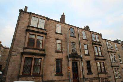 2 Bedrooms Flat for sale in Robertson Street, Greenock