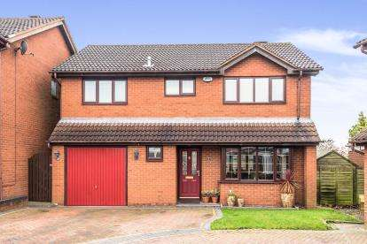 4 Bedrooms Detached House for sale in Newlands Court, Cannock, Staffordshire