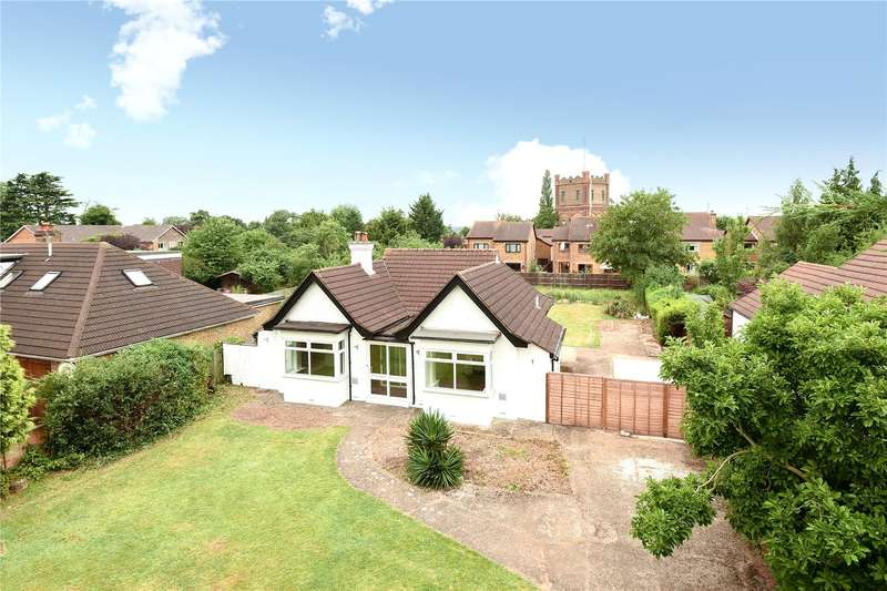 3 Bedrooms Bungalow for sale in Park Road, Uxbridge, Middlesex, UB8