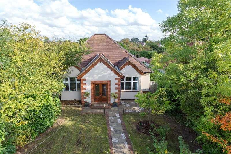 5 Bedrooms Detached Bungalow for sale in Love Lane, Iver, Buckinghamshire, SL0