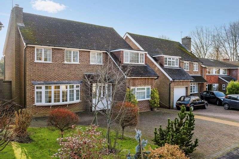 4 Bedrooms Detached House for sale in Busbridge, Godalming