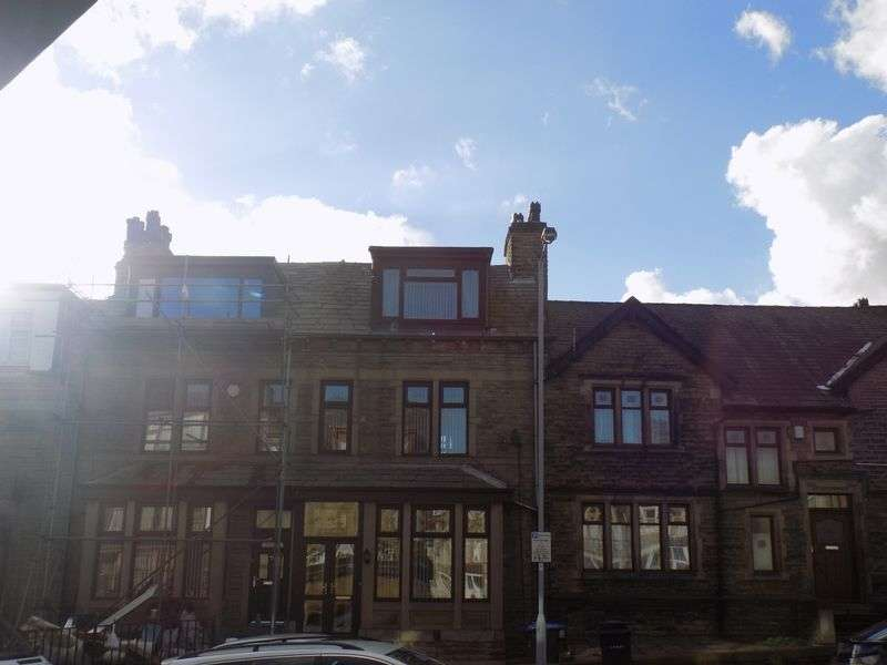 4 Bedrooms Terraced House for sale in Little Lane, Bradford