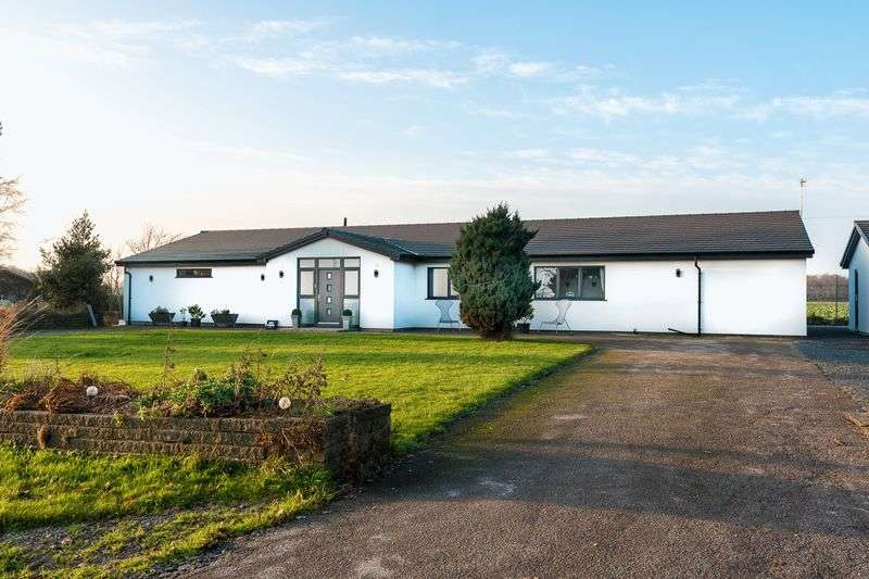 4 Bedrooms Detached Bungalow for sale in Outlet Lane, Bickerstaffe
