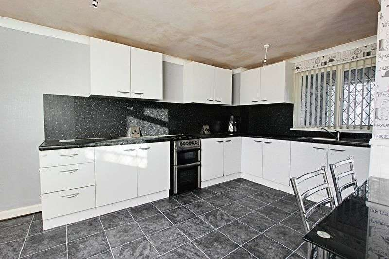 3 Bedrooms Terraced House for sale in Redfern Close, Hull