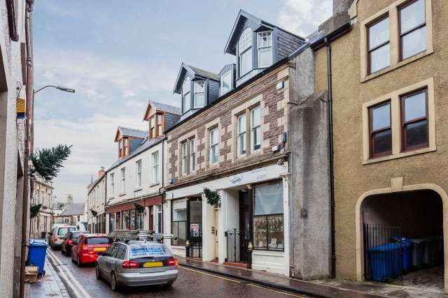 1 Bedroom Flat for sale in Wellgate, Lanark, South Lanarkshire, ML11 9DS