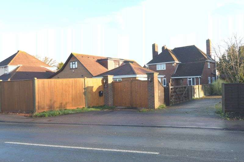 4 Bedrooms Detached House for sale in Titchfield Road, Stubbington, Fareham