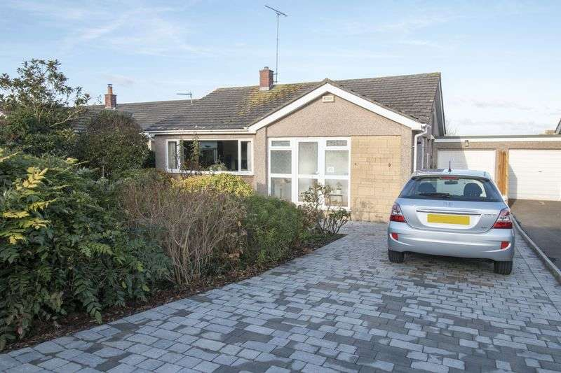 3 Bedrooms Detached Bungalow for sale in Waveney Road, Keynsham