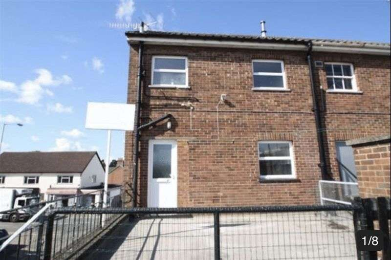 3 Bedrooms Flat for sale in Attention Cash Buyers