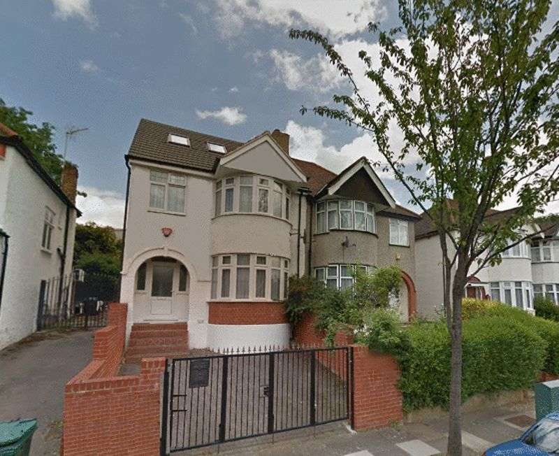 4 Bedrooms Semi Detached House for sale in Holders Hill Avenue, London, NW4