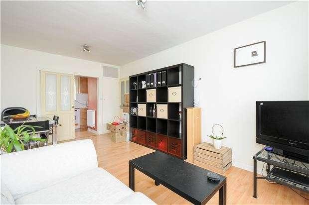 1 Bedroom Flat for sale in Fouracres, Little Dimocks, LONDON, SW12