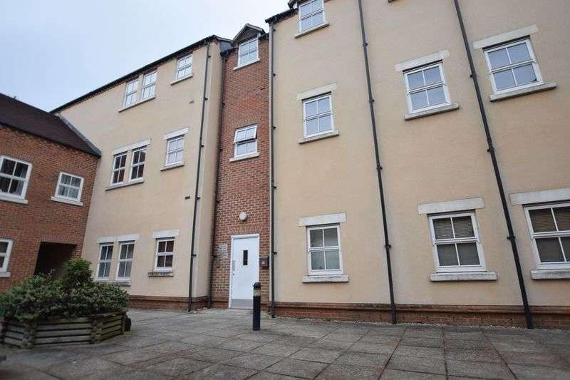 2 Bedrooms Flat for sale in Pine Street, Aylesbury