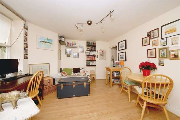 1 Bedroom Flat for sale in Barry Road, East Dulwich