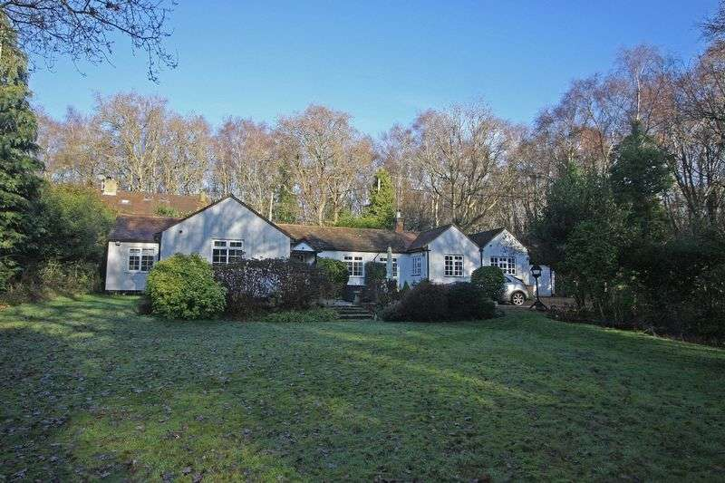 3 Bedrooms Cottage House for sale in Chobham, Surrey
