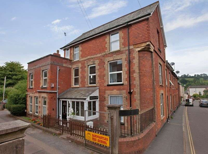 5 Bedrooms House for sale in Barrington Street
