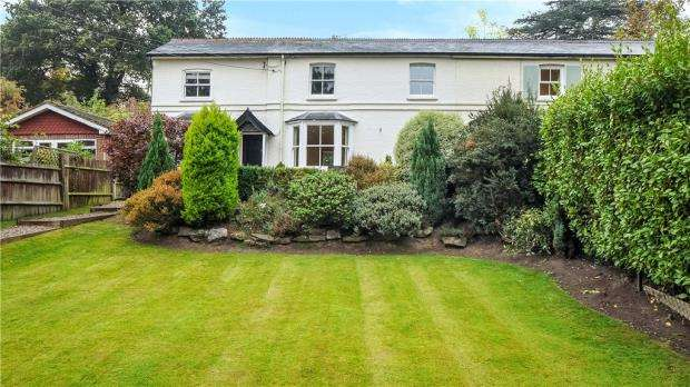 3 Bedrooms Semi Detached House for sale in Wells Lane, Ascot, Berkshire