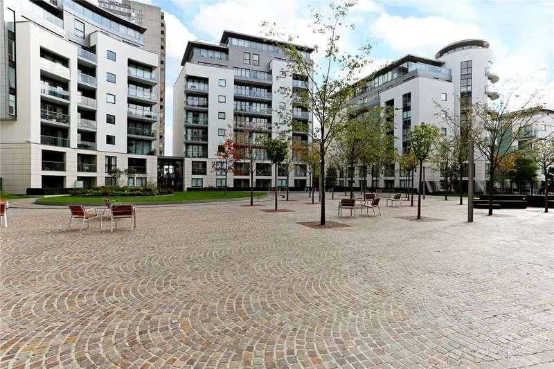1 Bedroom Flat for sale in Bridgeman House, Pump House Crescent, Brentford, TW8