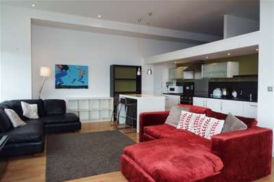 2 Bedrooms Flat for rent in The Herald Building, Albion Street, G1