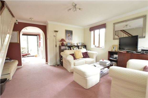 3 Bedrooms Semi Detached House for sale in Alpine Road, Redhill, RH1 2LE