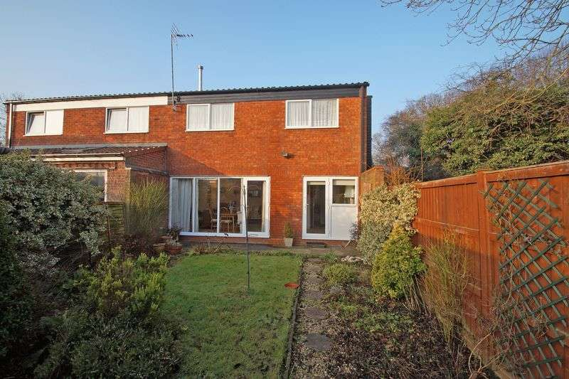 3 Bedrooms Semi Detached House for sale in Pembridge Close, Redditch