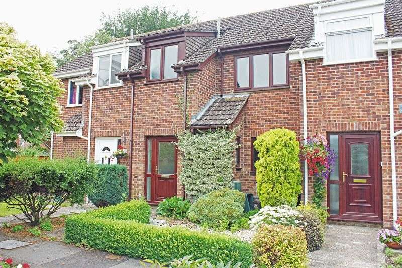3 Bedrooms Terraced House for sale in Priory Gardens, Pimperne