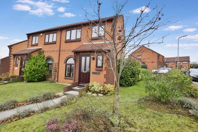 3 Bedrooms Semi Detached House for sale in Clifford Road, Grays