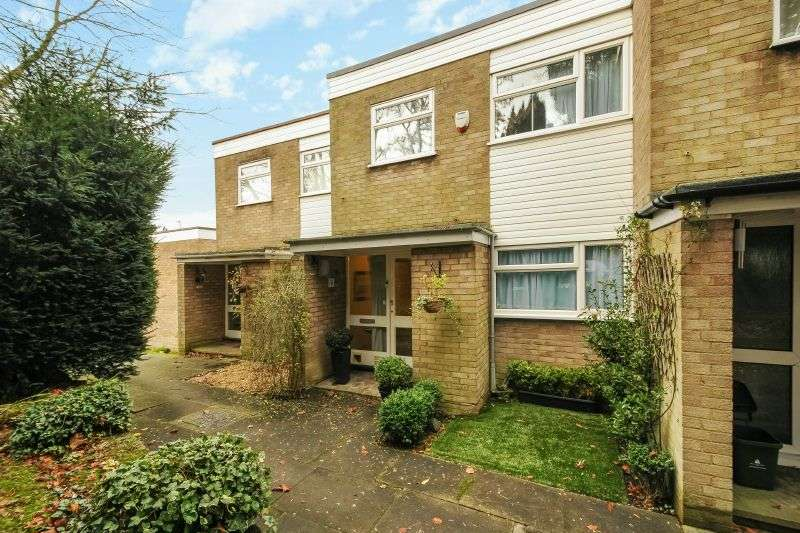 2 Bedrooms Terraced House for sale in Chesham Court, Northwood