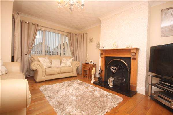 4 Bedrooms House for sale in London Road, Clacton on Sea