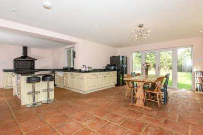 5 Bedrooms Semi Detached House for sale in Waterhouse Lane, Ardleigh, Colchester, Essex