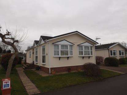 2 Bedrooms Bungalow for sale in Willow Crescent, Moss Lane, Moore, Warrington