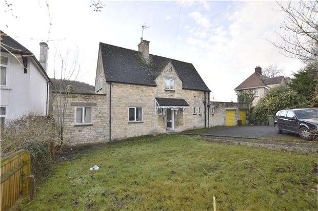 3 Bedrooms Detached House for sale in London Road, STROUD, Gloucestershire, GL5 2AT