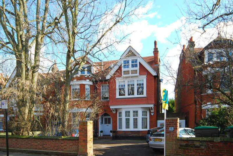 1 Bedroom Flat for sale in Marchwood Crescent, Ealing, W5