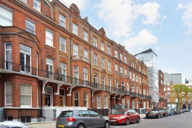 2 Bedrooms Apartment Flat for sale in Rosary Gardens, London, SW7