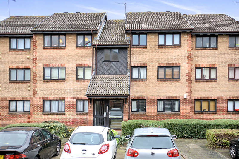 2 Bedrooms Flat for sale in Cricketers Close, Erith, DA8