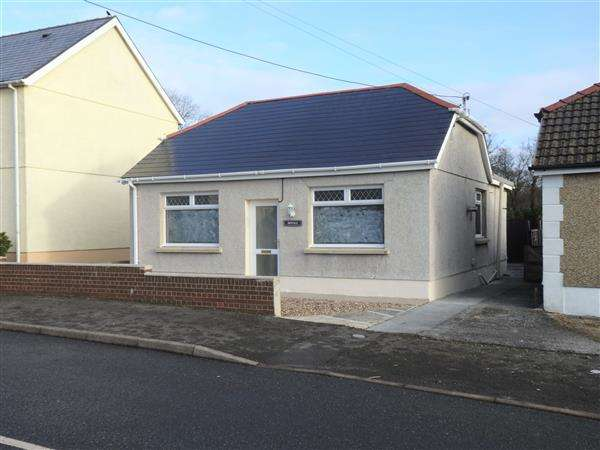 2 Bedrooms Detached Bungalow for sale in Gate Road, PENYGROES, Llanelli
