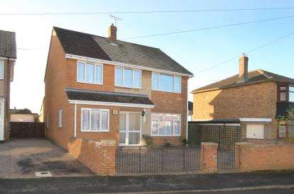 5 Bedrooms Detached House for sale in Grange Avenue, Hatfield, Doncaster