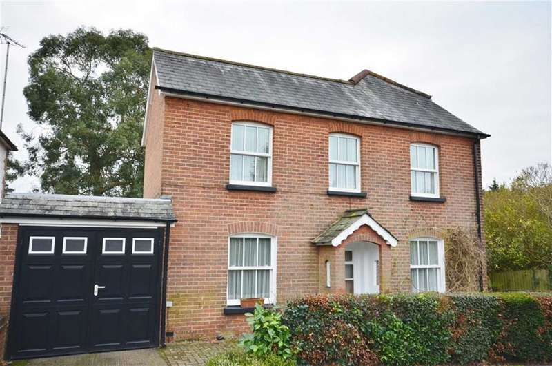4 Bedrooms Property for sale in Shortheath Road, Farnham