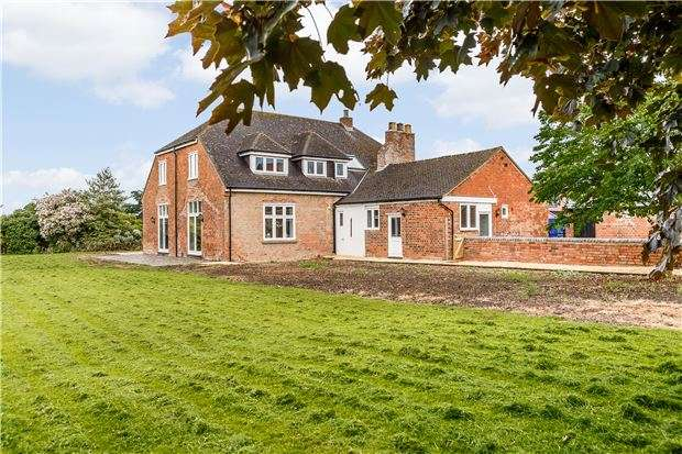 4 Bedrooms Detached House for sale in Newark Barn, Hempsted Lane, Hempsted, GLOUCESTER, GL2 5JS