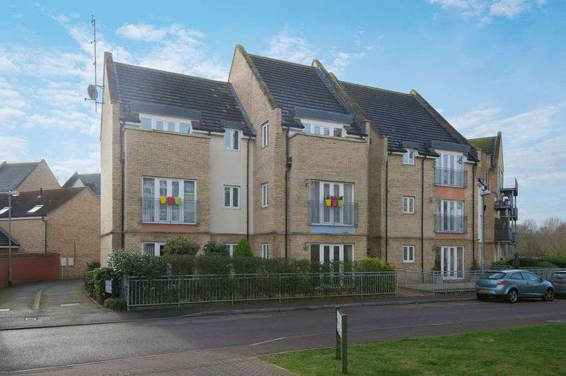 3 Bedrooms Flat for sale in Flawn Way, Eynesbury